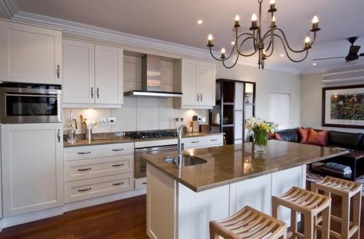 Lexis renvations bathrooms kitchens randburg gauteng for Kitchen cupboards randburg
